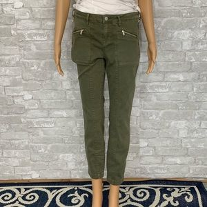NWT Kendall and Kylie Olive Skinny Jeans Size 28